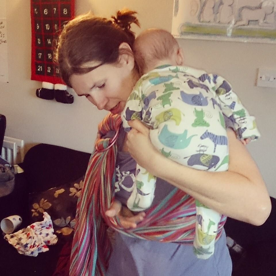 Using a ring sling: where to adjust and how to tighten. (5/6)